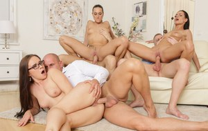 Free Pussy Orgy Pictures