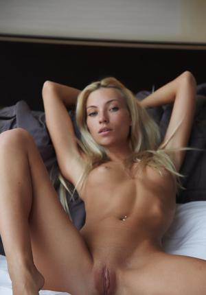 Free Blonde Pussy Pictures