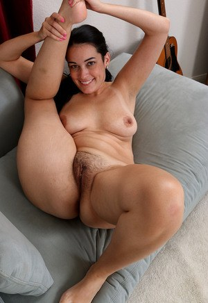 Free Hairy Pussy Pictures