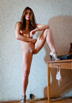 Free Pussy And Legs Pictures