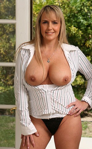 Free Hot Mom Pussy Pictures
