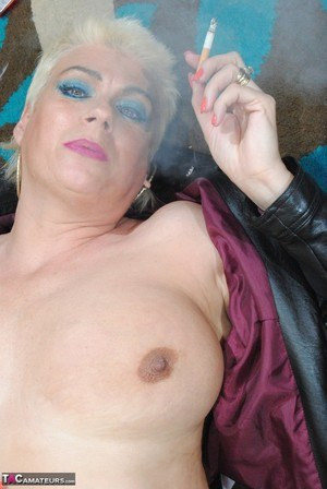 Free Smoking Pussy Pictures