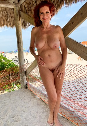 Free Nude Beach Pussy Pictures